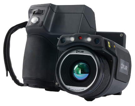 flir-t620-thermal-imaging-camera-front-left 1